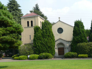 立教女学院のシンボルともいえる聖マーガレット礼拝堂